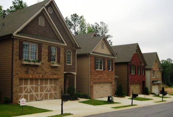 Henderson-Landing-Row-Of-Townhomes