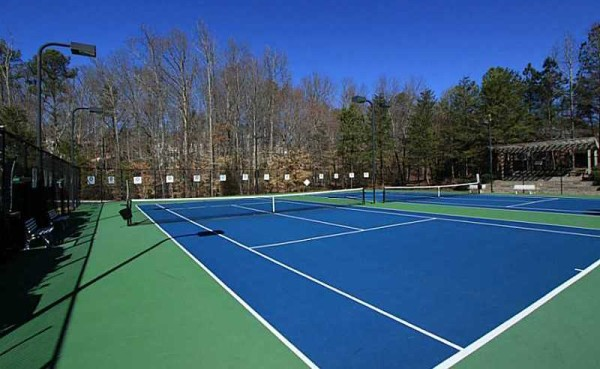 Pool And Tennis Community Belleterre